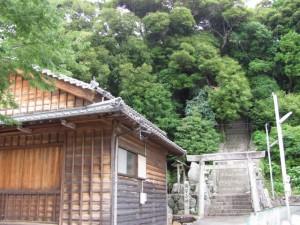 安楽島舞台と満留山神社
