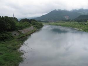 久具都比売橋から宮川を望む