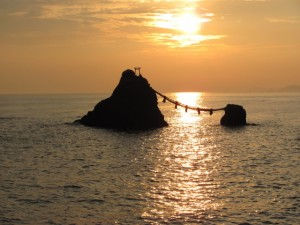 日の出と夫婦岩(二見興玉神社)