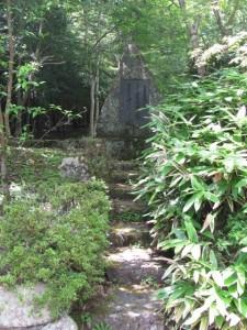 北畠顕能公の歌碑(北畠神社)