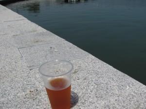 地ビールの試飲(二軒茶屋・川の駅付近)