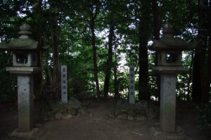 遥拝所(松阪神社)