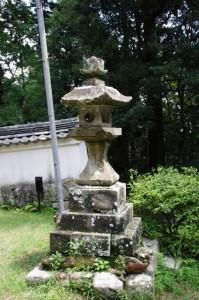 常夜燈(青峰山正福寺大門前)