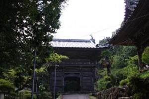 大門と鐘楼堂(青峰山正福寺)