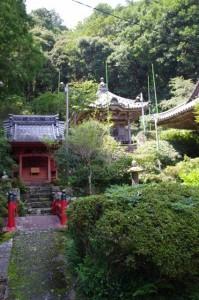 弁天堂と大師堂(青峰山正福寺)