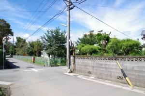 下外城田小学校手前の十字路