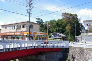 外城田橋から狭田国生神社