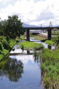 宮古橋から望む汁谷川
