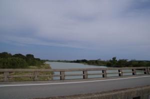 魚見橋から櫛田川の下流を望む
