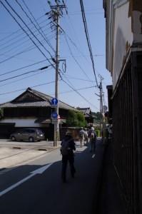 旧旅籠「角屋」(左)と丁子屋(右)