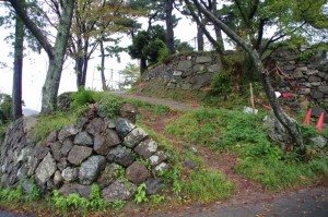 鳥羽城跡発掘現場へ