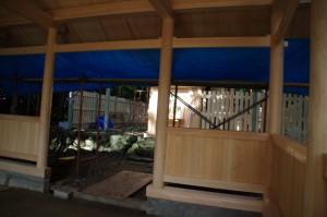 上棟祭終了後の拝殿(御薗神社)