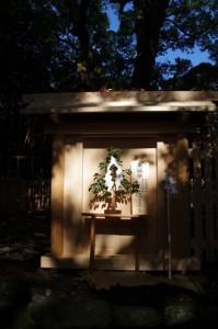 上棟祭終了後の御門(御薗神社)