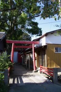 今社への鳥居(公園側)
