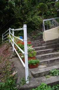 日和山(鳥羽)から賀多神社への階段を見上げて