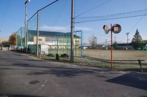津市立川合小学校の校庭