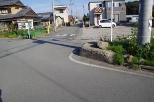 片野神明神社へは遠回りの路地