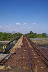 JR 三渡川踏切から三渡川方向