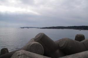 国崎漁港の突堤から