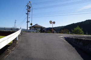 初瀬街道(国道165号線 新羽根橋南詰)