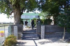 道標(早馬瀬神社横)