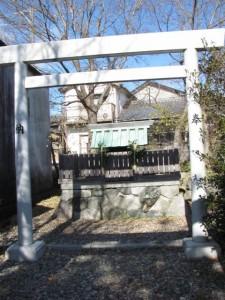 伏見稲荷神社(勢田川右岸)