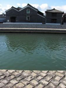 勢田川の右岸から望む河崎の蔵