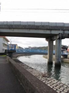 近鉄鳥羽線の架橋と瀧浪橋(勢田川)