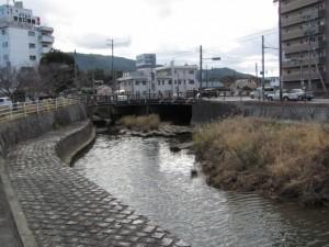 八束橋(左)、丸山橋(右)