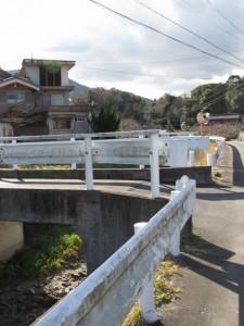 地金場橋から勢田川上流へ