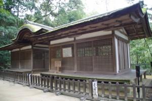摂社拝殿(石上神宮)