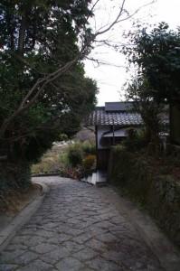 山の辺の道(中山町公民館前)
