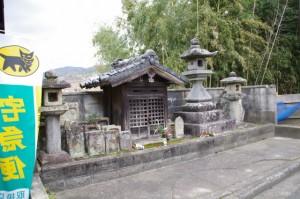 太神宮常夜燈ほか(長岳寺前)