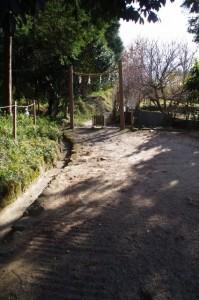 桧原神社から山の辺の道へ