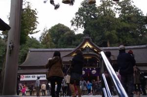 拝殿へ(大神神社)