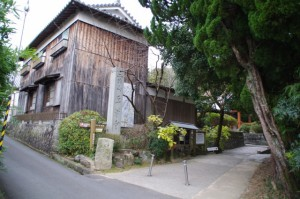 平等寺の前(山の辺の道)