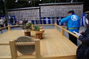 萬歳楽の舞台(櫲樟尾神社)