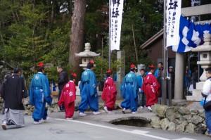 萬歳楽の舞方(櫲樟尾神社)