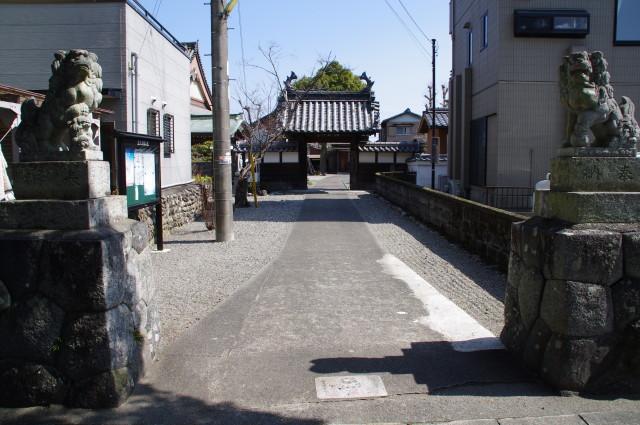 参道(昌久寺)