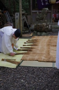 鍬形祭の準備(九鬼岩倉神社)