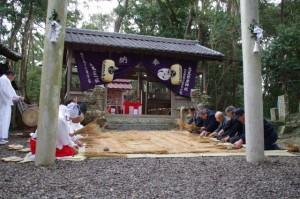 苗とり、鍬形祭(九鬼岩倉神社)