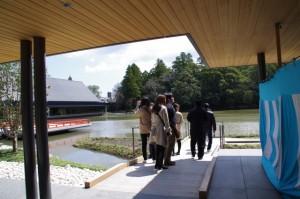 茶席菖蒲苑への通路