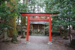 境内神社(御杖神社)