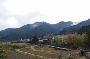 幡須神社前の風景(三重県津市美杉町石名原)