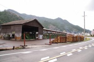 美杉木材市場(三重県津市美杉町八知)