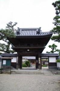 福蔵寺の山門