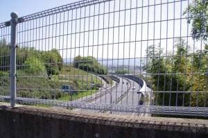 谷山跨道橋から望む第二阪奈道
