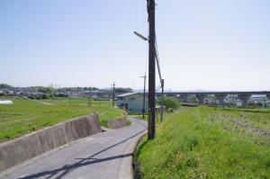 下鳥見橋(富雄川)付近
