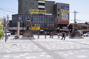 常夜燈(JR奈良駅前広場)