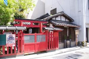 隼神社と木造地蔵菩薩半跏像